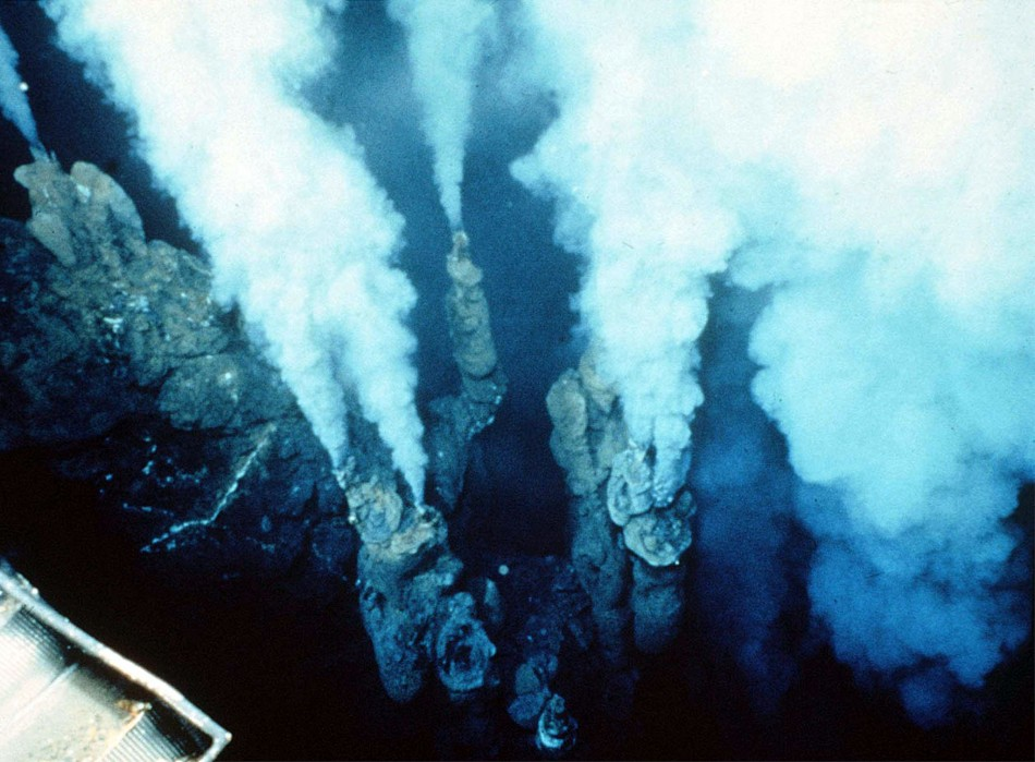Fastest Growth of Underwater Volcanoes Documented at ...