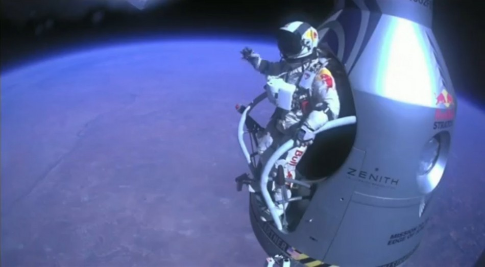 google executive sets new supersonic record in 24mile skydive