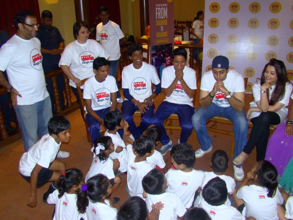 Cake Images With Name Abhishek : Aishwarya Rai, Abhishek Bachchan Celebrate Aaradhaya s ...