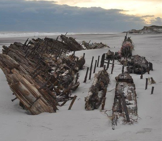 The remains of the ship is  now exposed on the beach following Hurricane Sandy (Cheryl Hapke / USGS)