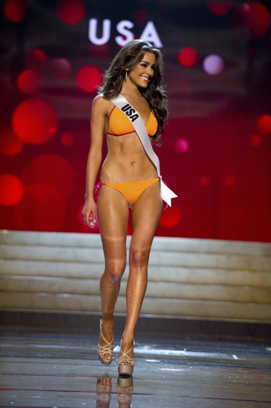 Miss Universe 2012: Contestants Shine in Swimsuit Round [SLIDESHOW]