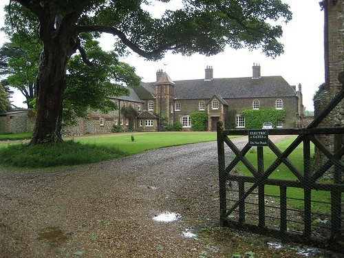 Kate middleton and prince william gifted norfolk mansion for Anmer hall