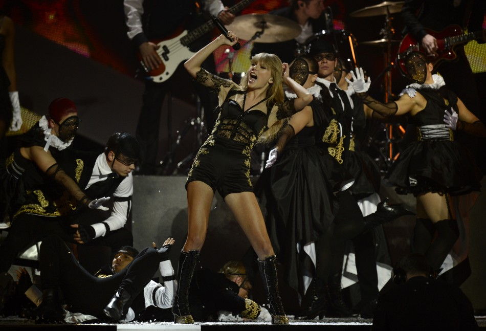 U.S. singer Taylor Swift performs during the BRIT Awards, celebrating British pop music, at the O2 Arena in London February 20, 2013