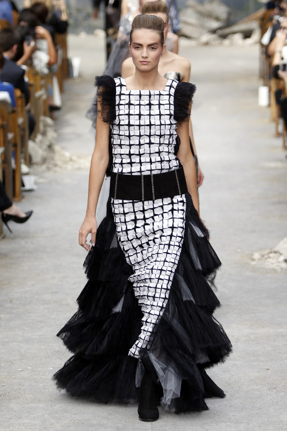 Paris fashion week 2013 kristen stewart rihanna stun at for American haute couture designers