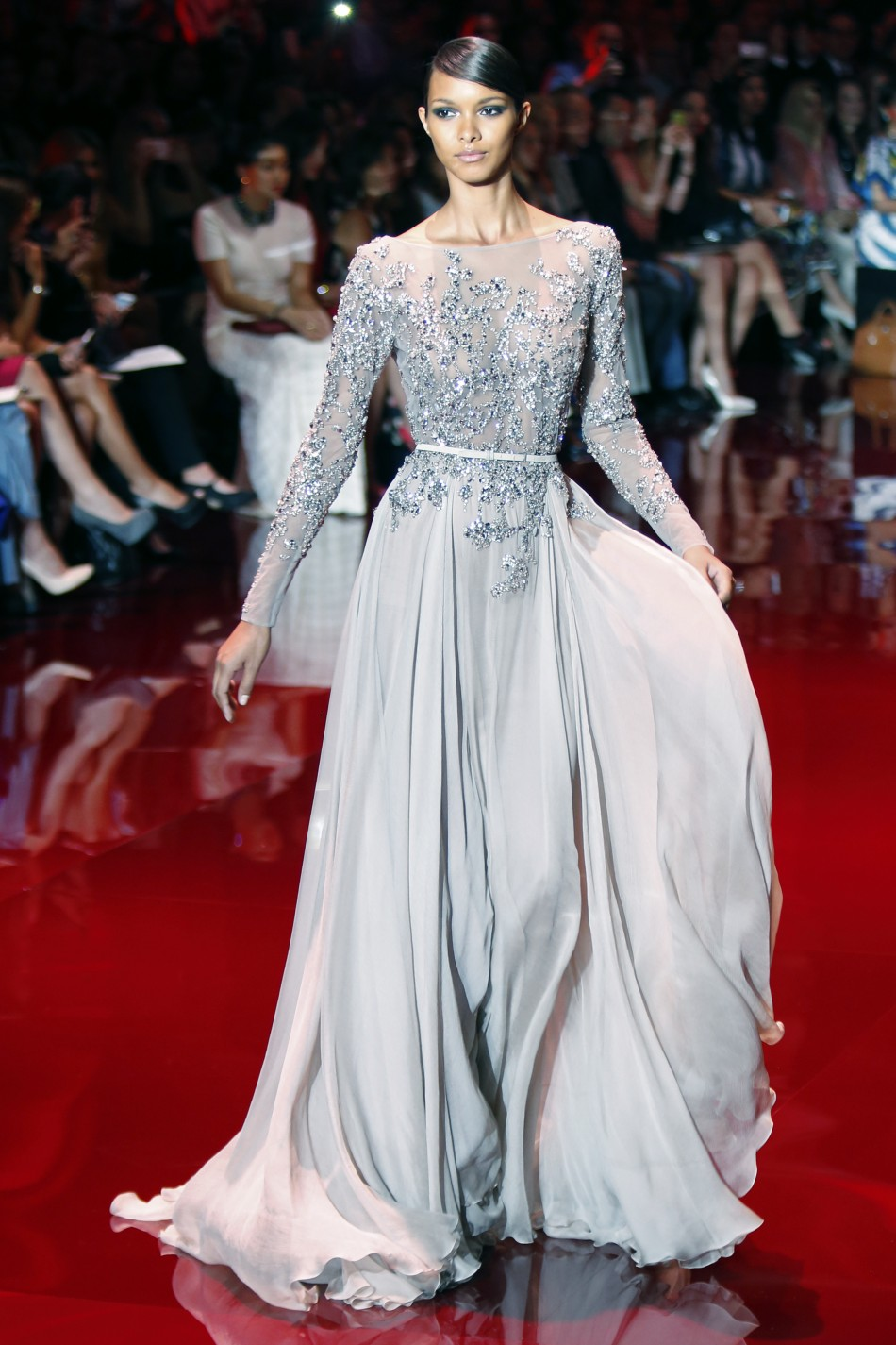 Paris fashion week 2013 elie saab s royal touch creates for Designer haute couture dresses