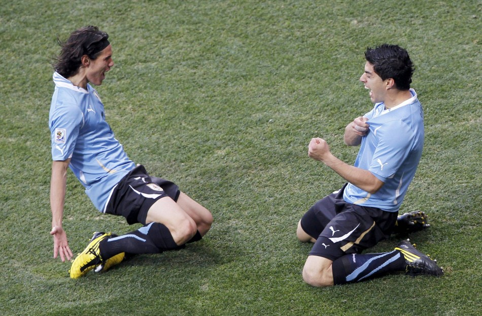 Luis Suarez (R) and Edinson Cavani
