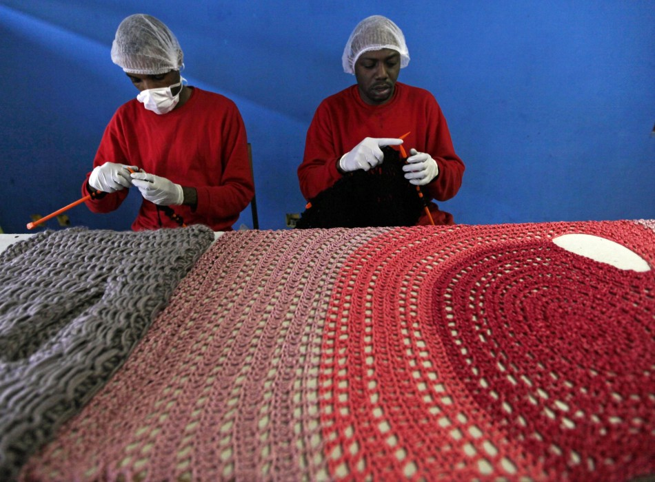 Knitting Wear Company : Brazilian designer trains murder convicts to knit for high