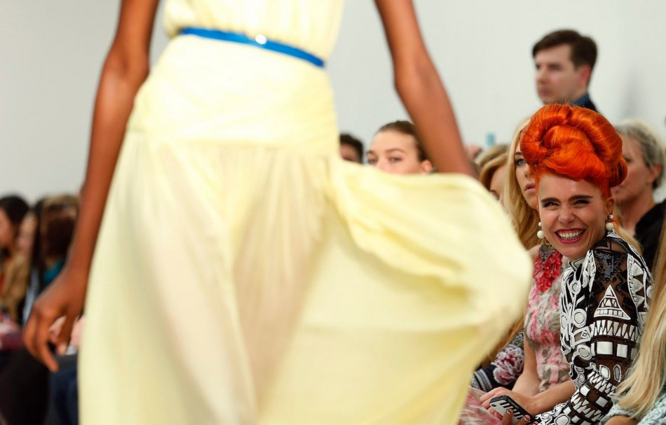 Singer Paloma Faith watches the presentation of the Matthew Williamson Spring/Summer 2014 collection during London Fashion Week September 15, 2013. (REUTERS/Suzanne Plunkett)