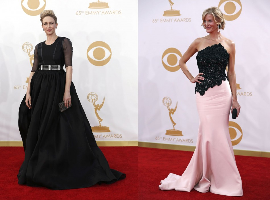 Actresses Vera Farmiga (L) from A&E's series Bates Motel and Anna Gunn from Breaking Bad flaunt their red carpet gowns. (Photo: Reuters)