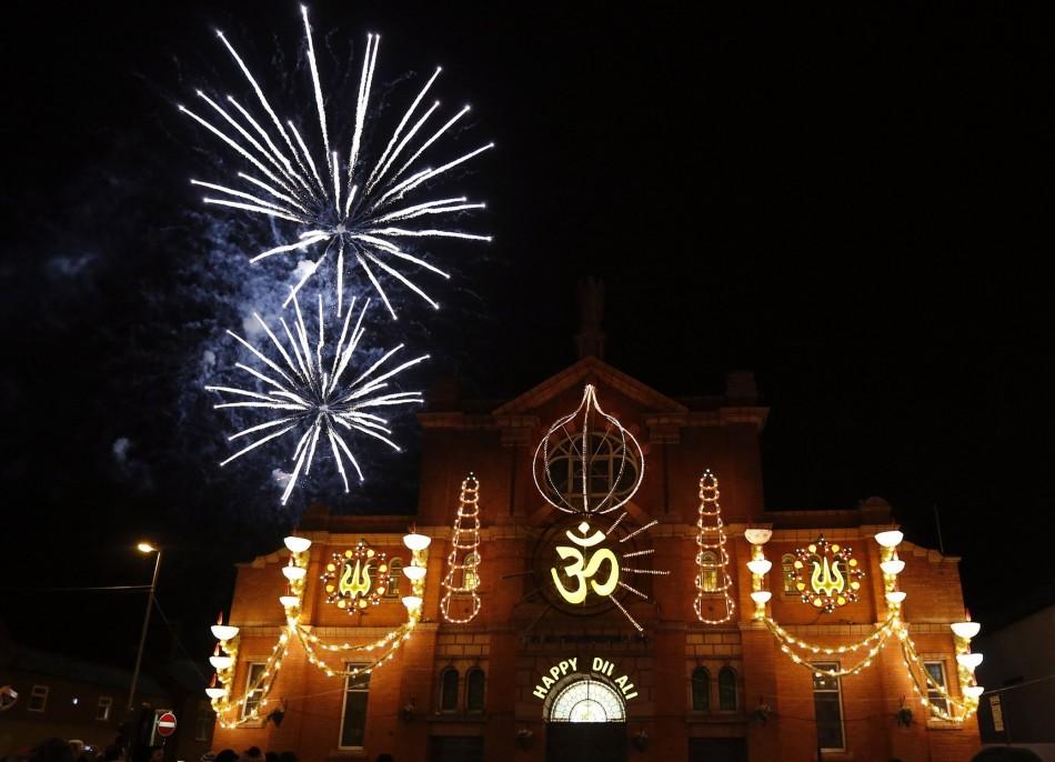 Diwali 2013 Hindu Festival Of Lights Celebrated Around
