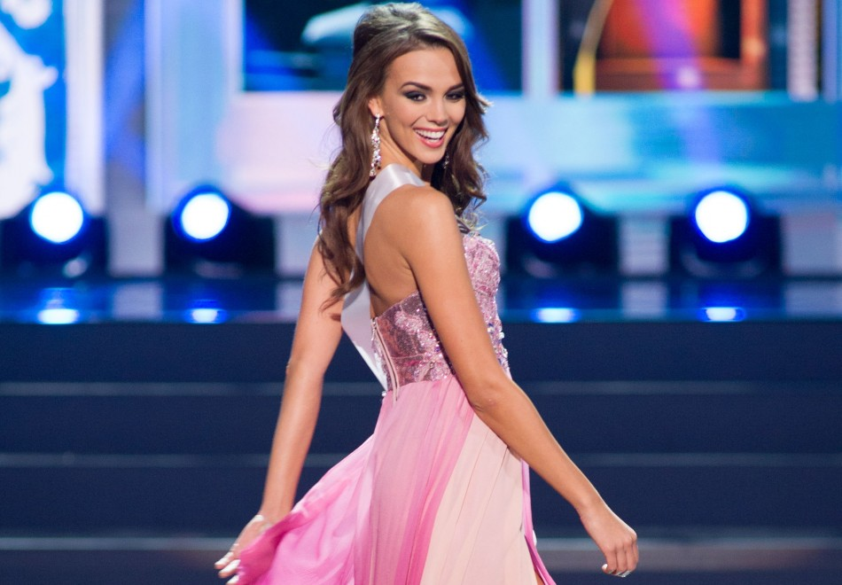 MISS UNIVERSE IN HISTORY! - Page 3 Paulina-krupinska-miss-universe-poland-2013-competes-her-evening-gown-during-miss-universe
