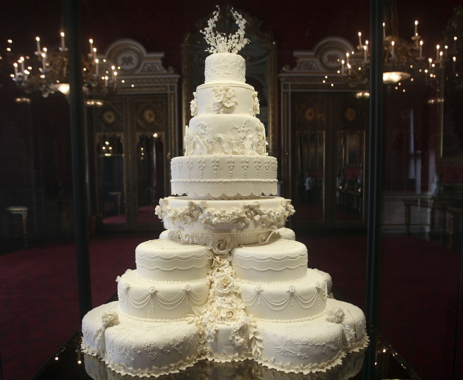 Kate Middleton S Eight Tiered Wedding Cake Slice Fetches 163