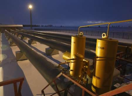 Delay seen in building of Russia oil pi