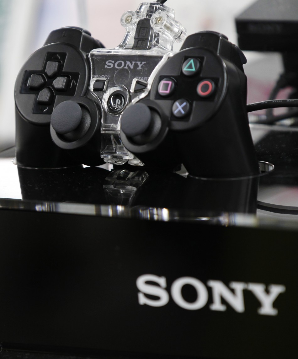 Sony Launches 8-Generation Playstation 4 Gaming Console
