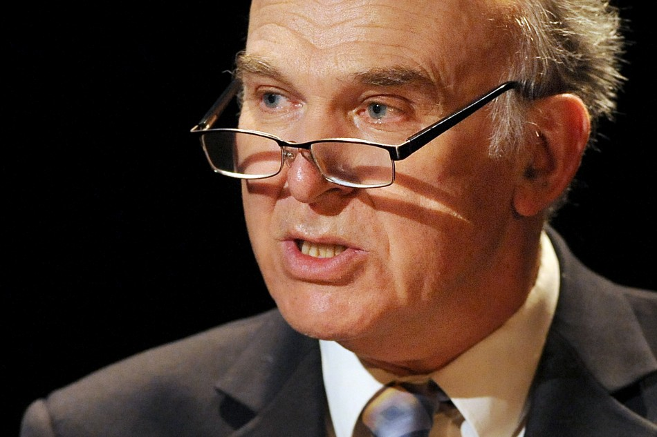 "Business Secretary Vince Cable said Low Pay Commission struck ""right balance between pay and jobs"""