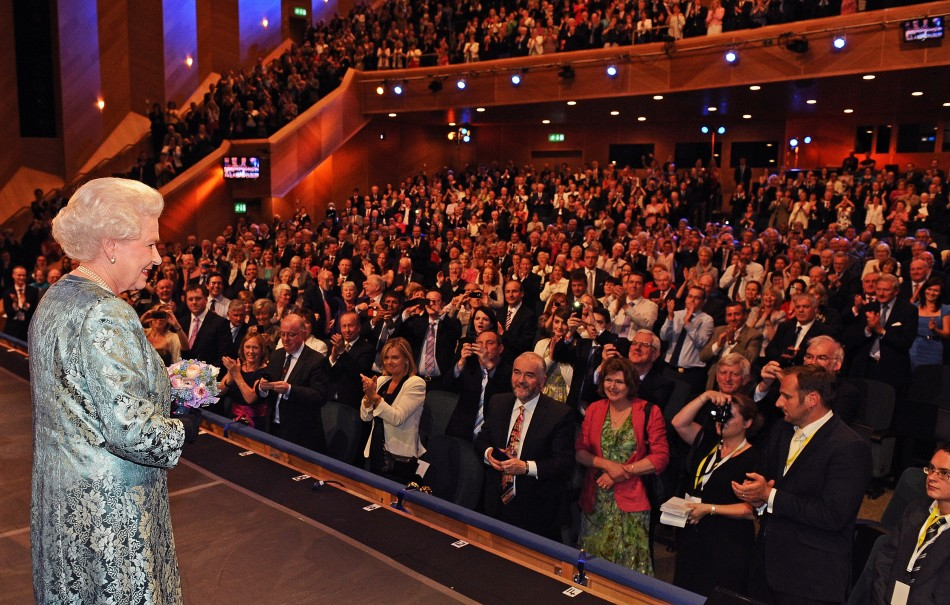 Queen Elizabeth faces the applauding audience at the Convention Centre in Dublin