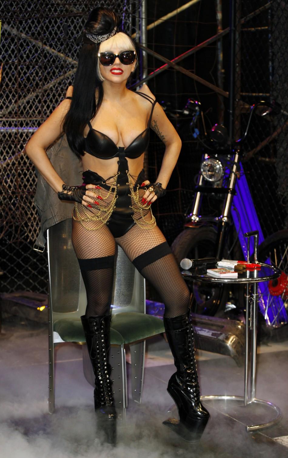 Lady Gaga Hüfte