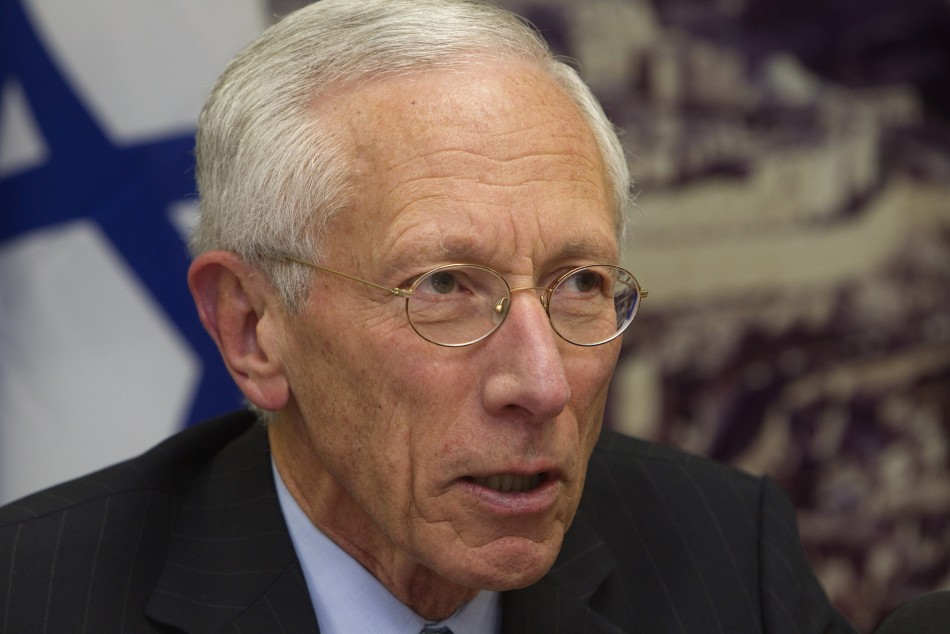 Bank of Israel Governor Fischer attends a a photo opportunity at the Finance Ministry in Jerusalem