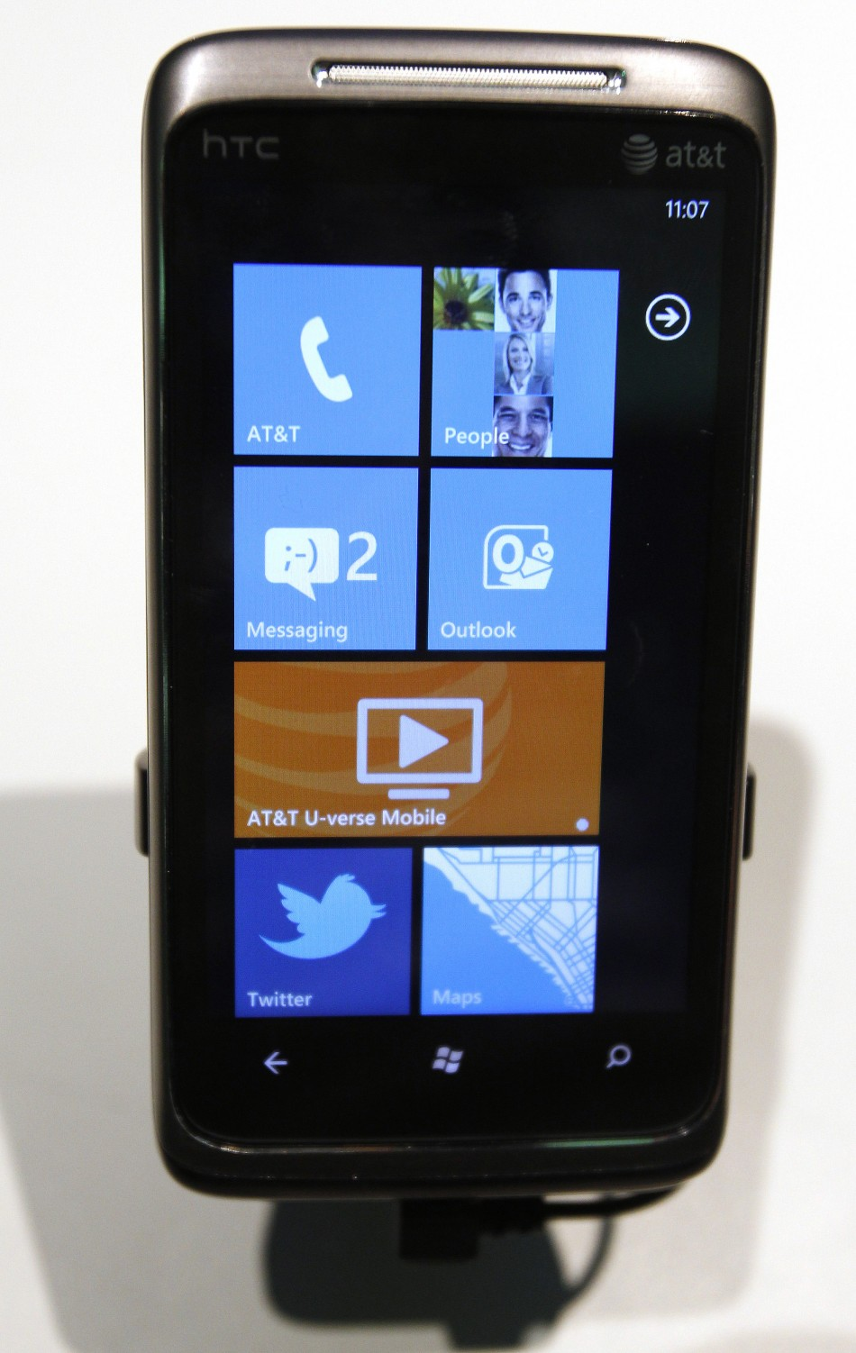Windows Phone Mobile OS all set to takeover BlackBerry