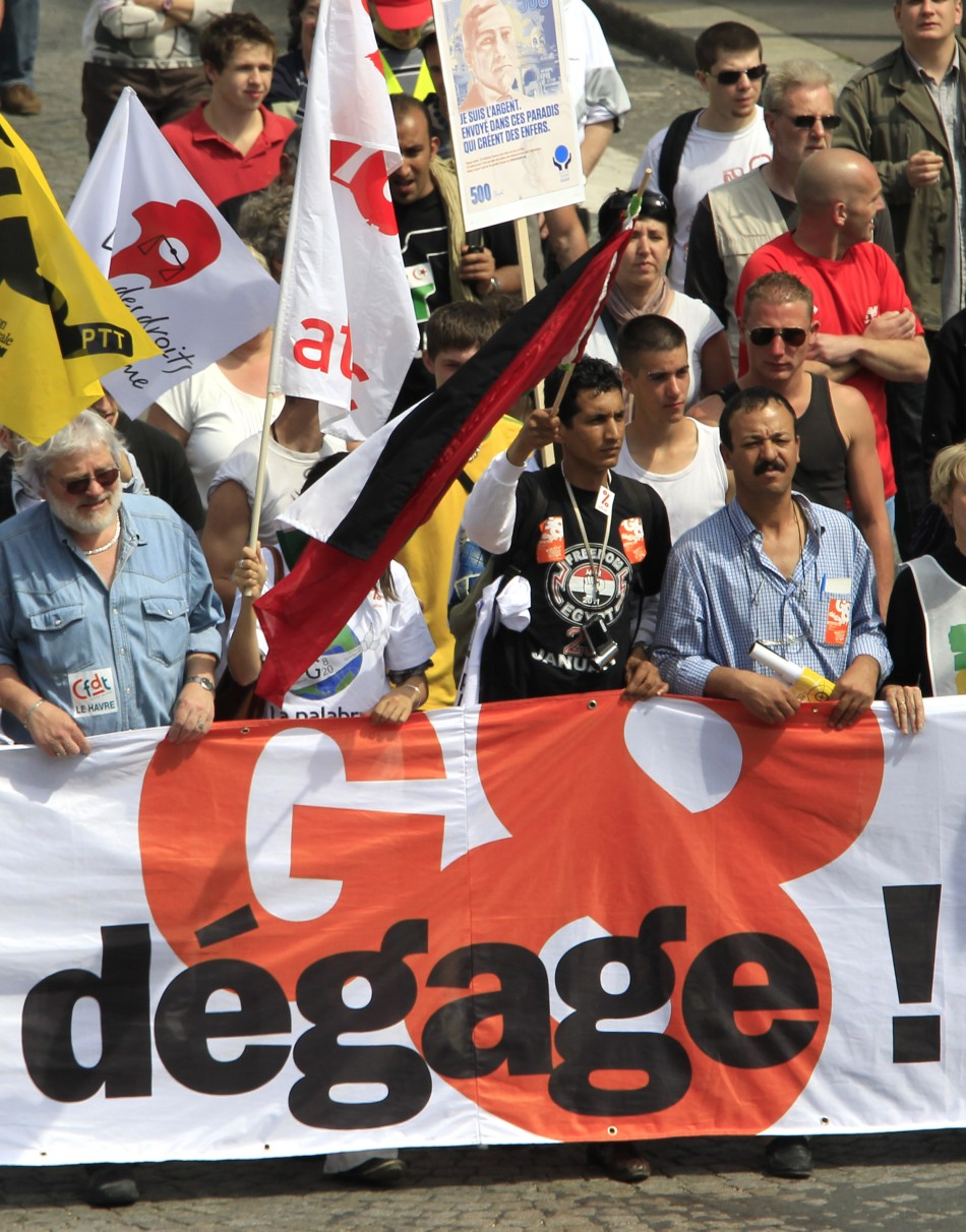 Anti-G8 demonstrators march in Le Havre ahead of next week's Deauville summit