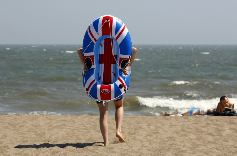 UK Set for Two Week Tropical Heat Wave