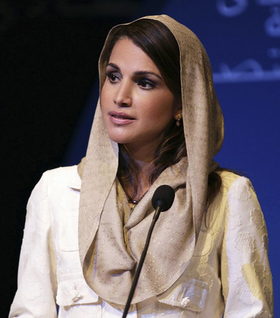 Jordans Queen Rania addresses the Jeddah Economic Forum in Jeddah