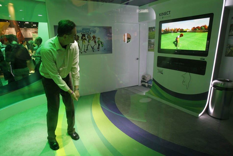 An attendee plays the Kinect Sports: Season 2 for the Xbox 360 Kinect during the Electronic Entertainment Expo, or E3, in Los Angeles June 7, 2011.