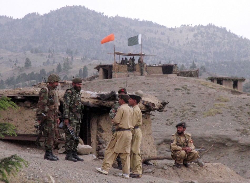 Pakistani soldiers at Pakistan-Afghanistan border