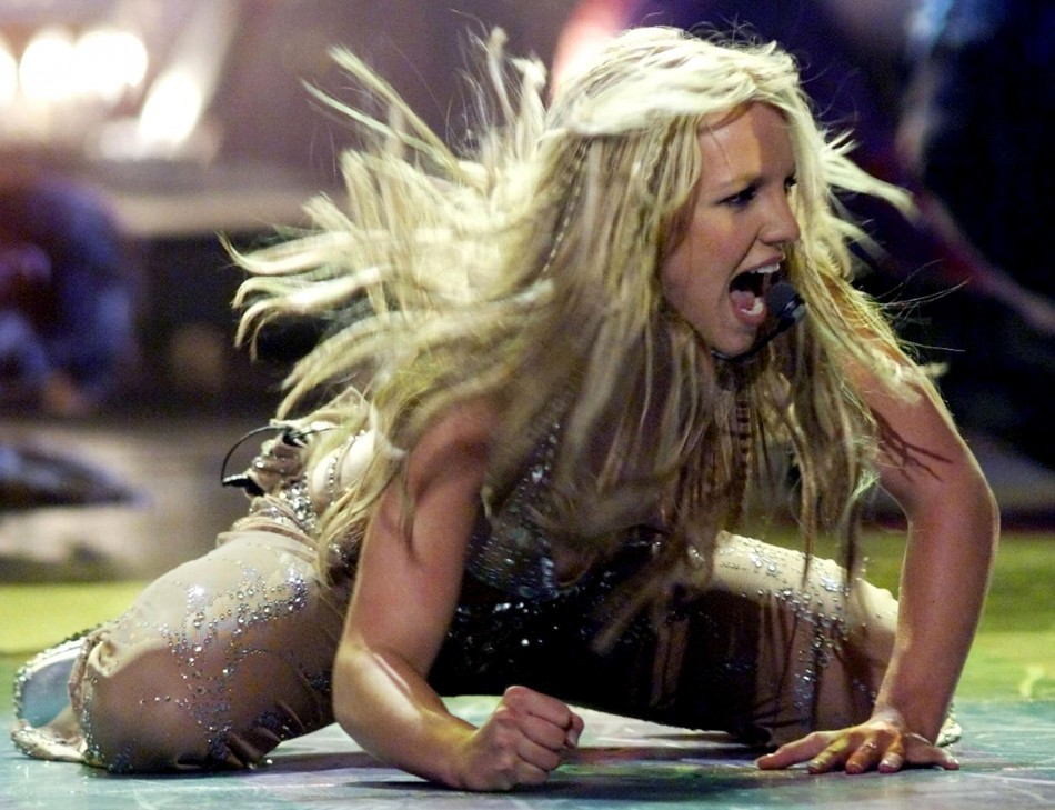 britney spears to kick off uk leg of femme fatale tour