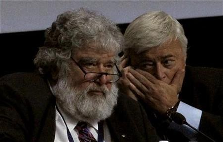 FIFA executive members Chuck Blazer (L) of the U.S and Ricardo Teixera of Brazil attend the 61st FIFA congress at the Hallenstadion in Zurich June 1, 2011.