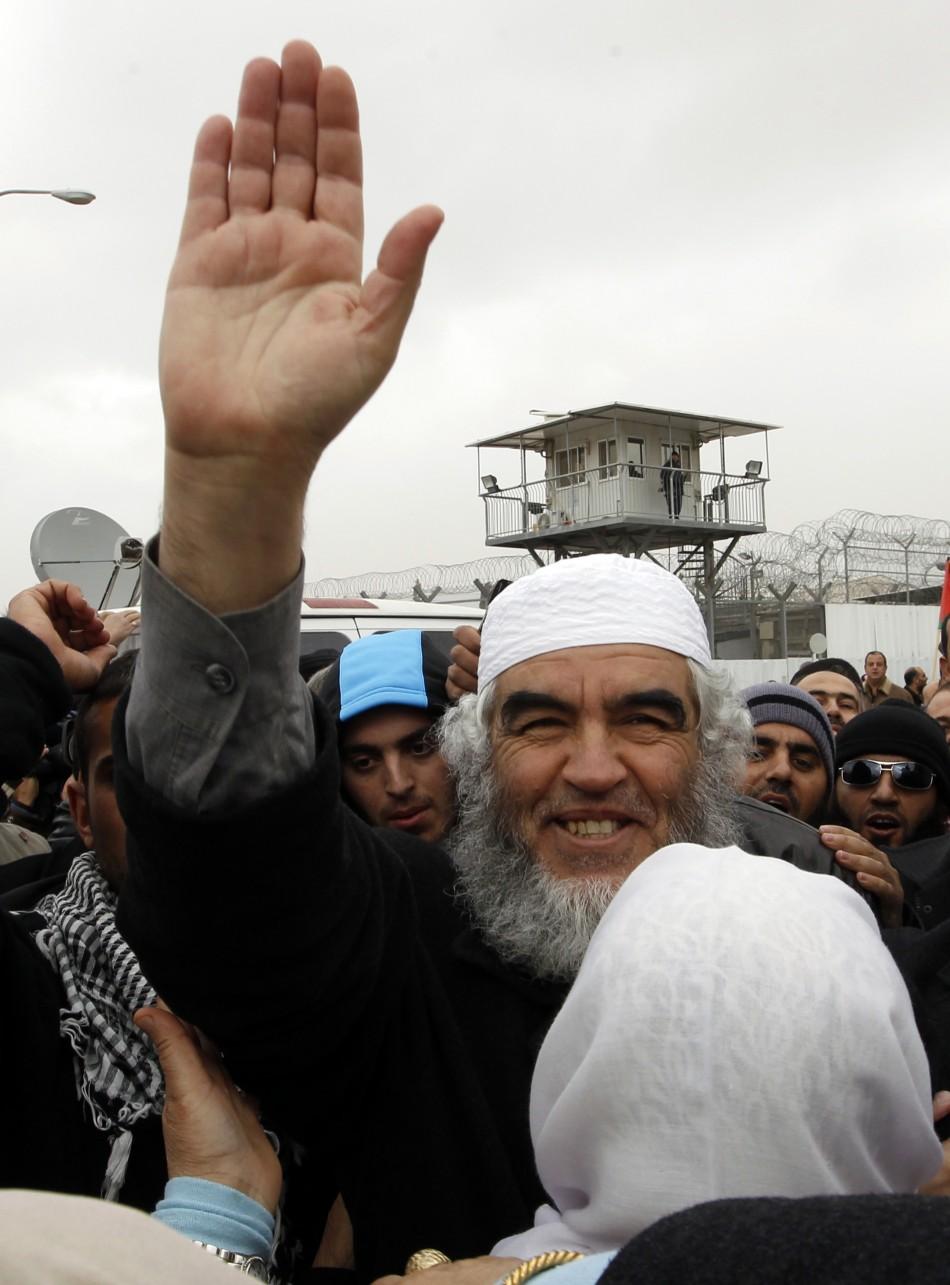 Sheikh Raed Salah gestures as he leaves prison in Ramle