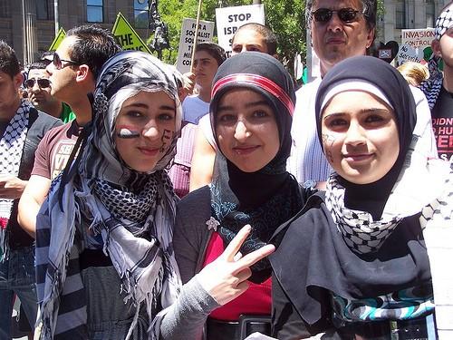 Australian Muslim girls