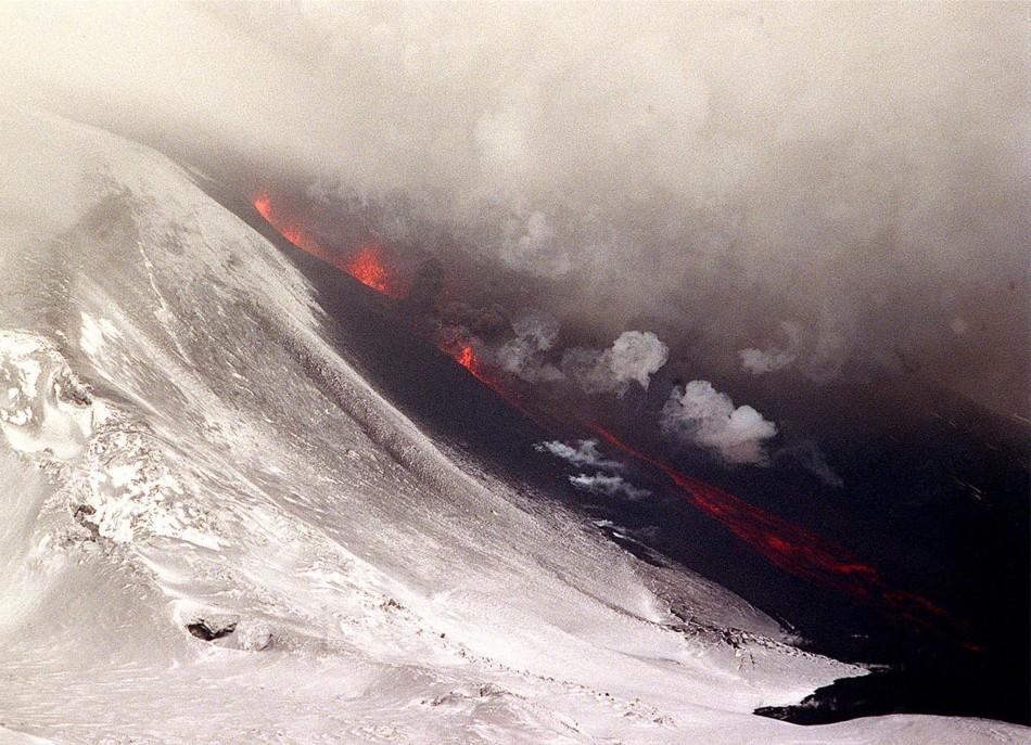 supervolcanoes spewing deadly gases are the greatest hazard to uk. Black Bedroom Furniture Sets. Home Design Ideas