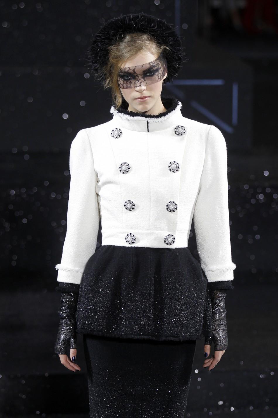 Chanel Haute Couture Fall-Winter 2011/2012 fashion show