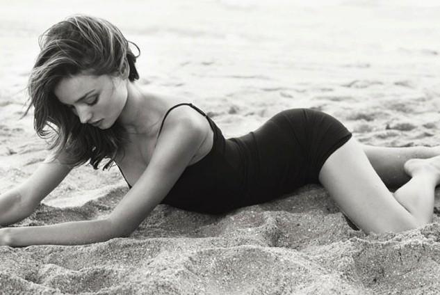 Top Fashion Moments of VS Angel Mirana Kerr