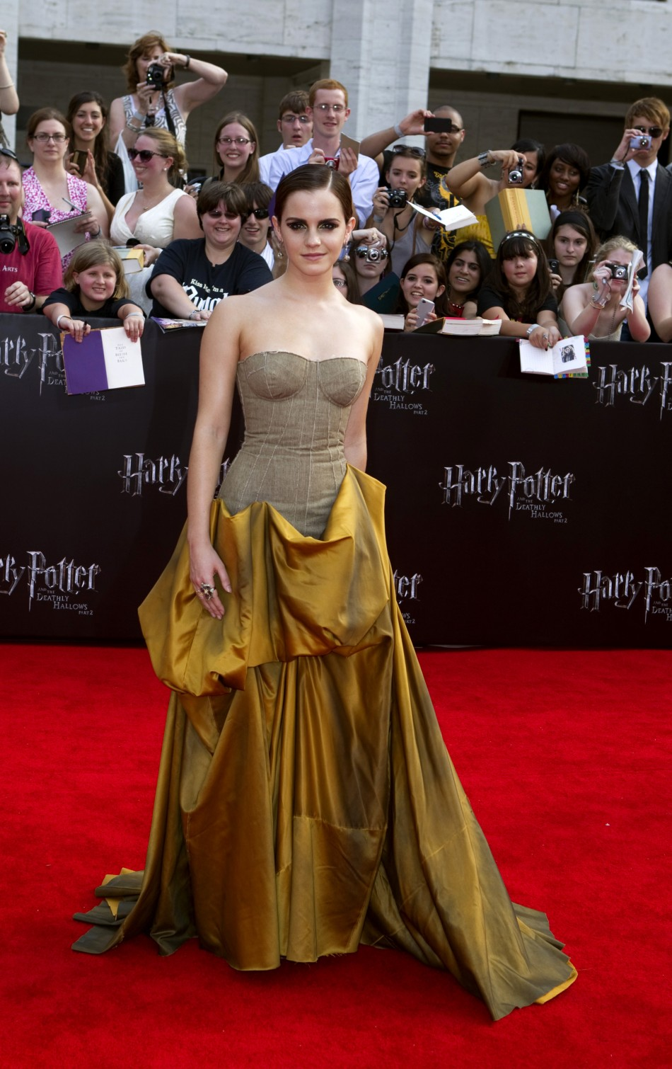 Emma Watson Harry Potter And The Deathly Hallows Part 2 Premiere Dress Which Emma Watson Prem...
