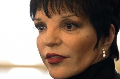Singer and actress Liza Minnelli attends a ceremony