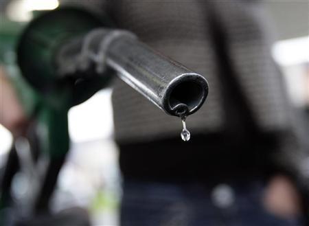 A customer fuels her car