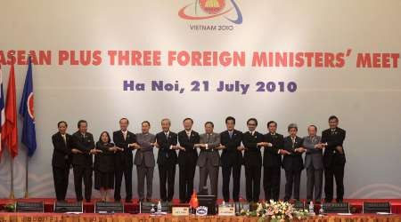 China, ASEAN set 'guidelines' on sea row, but no deal expected