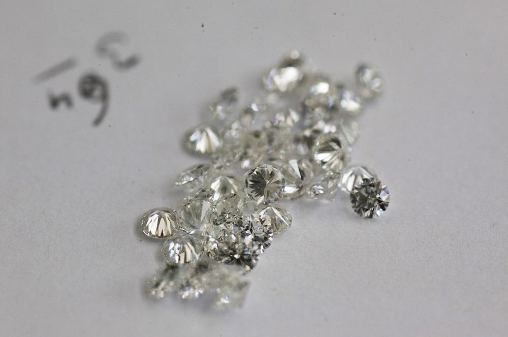 Man Returns $200,000 Worth Of Diamonds