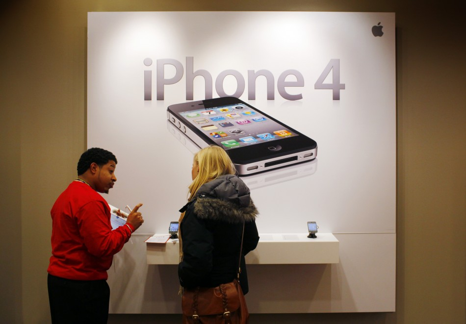 South Korean Authorities Force Apple to Bend-Knee Over iPhone Policy