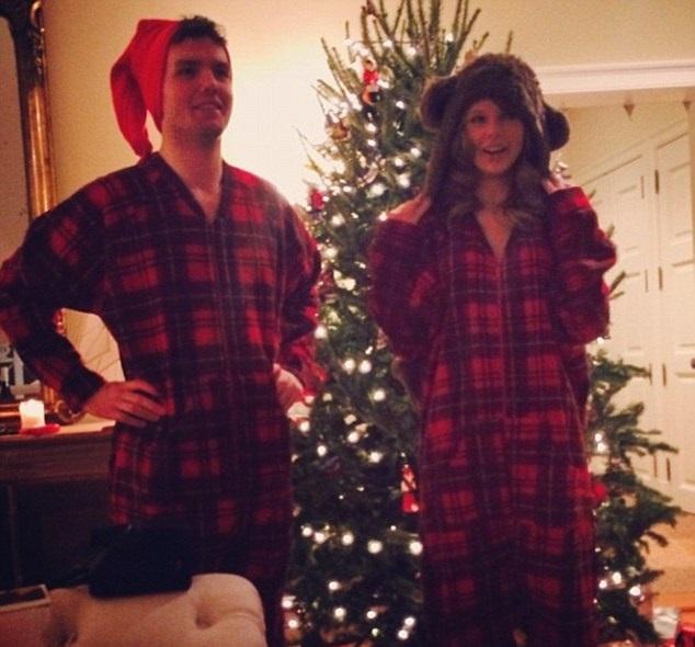 Taylor Swift's Christmas Selfie