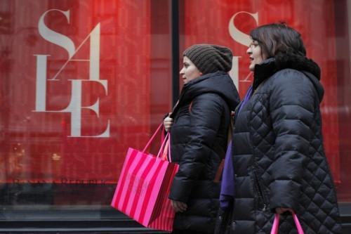 Online Retail soars in December 2015