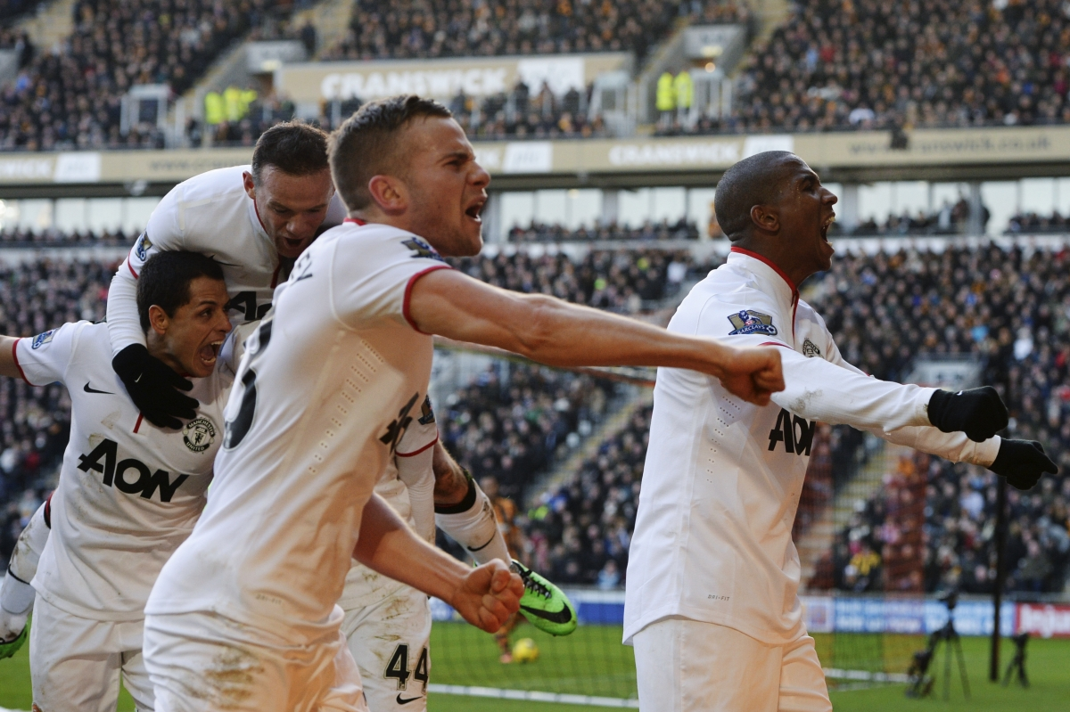 Manchester United celebrate third goal against Hull City