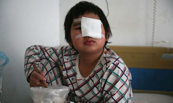 Chinese boy slapped by classmates