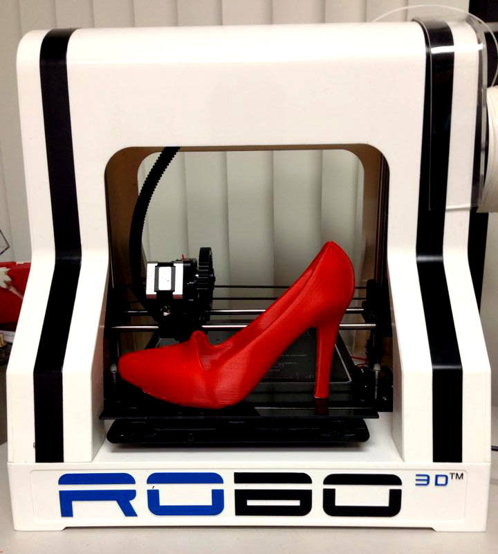 The RoBo 3D R1 desktop 3D printer, large build volume for half the price