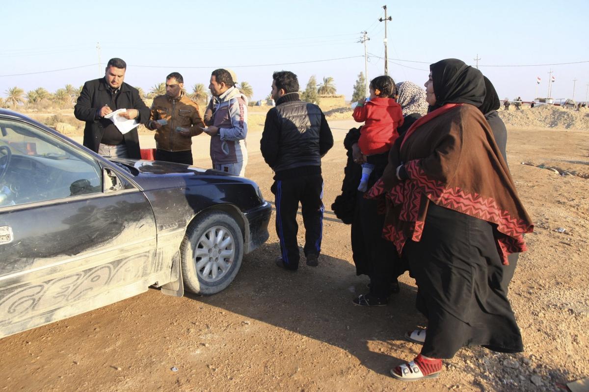 Families flee Fallujah