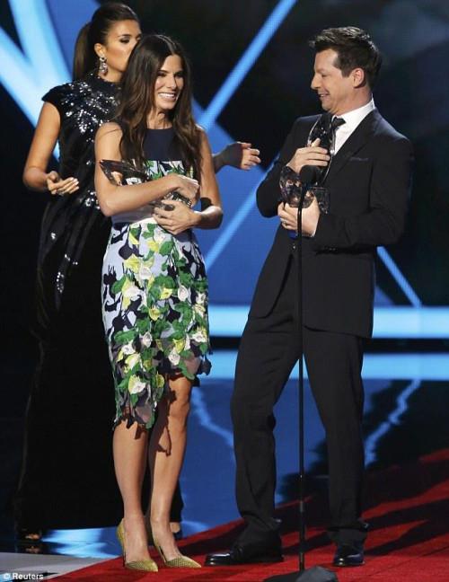 Sandra Bullock at People's Choice Awards 2014