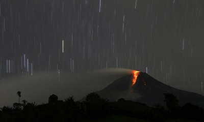 sinabung star trails