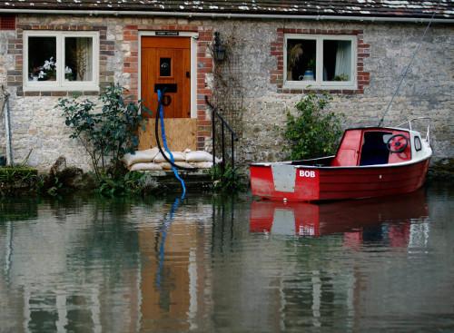weather uk floods